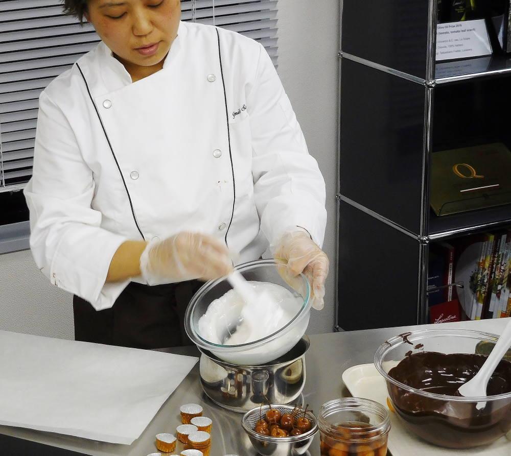 Boeri ボエリ チェリーのリキュール漬けのチョコレート