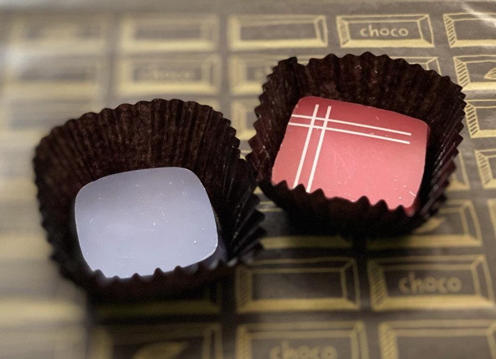 赤いチョコと青いチョコ