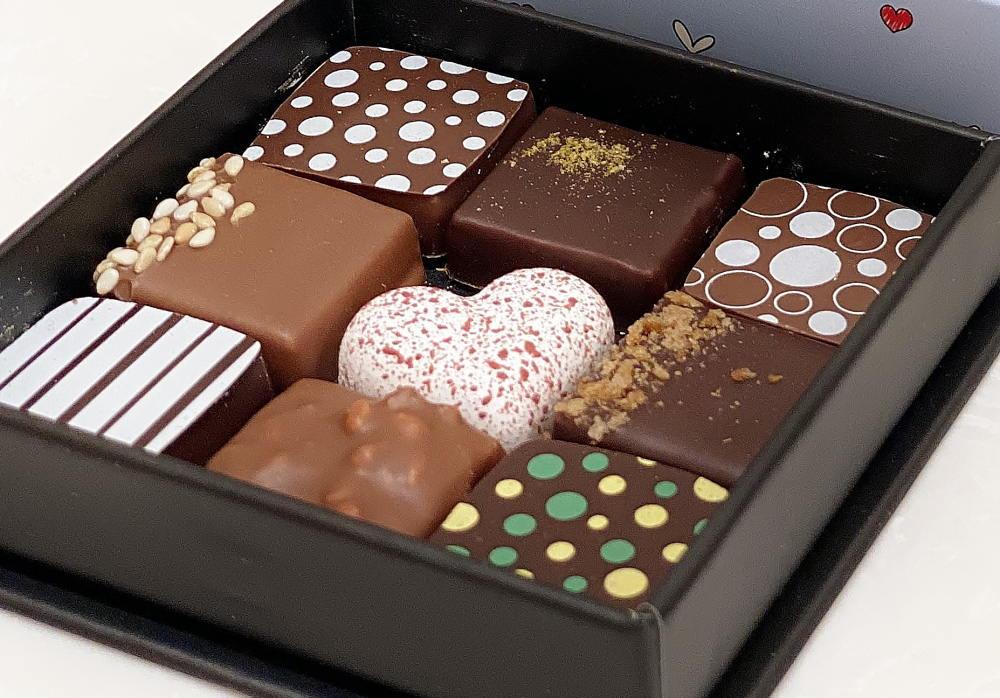 エドワート ショコラティエパリの9粒アソート