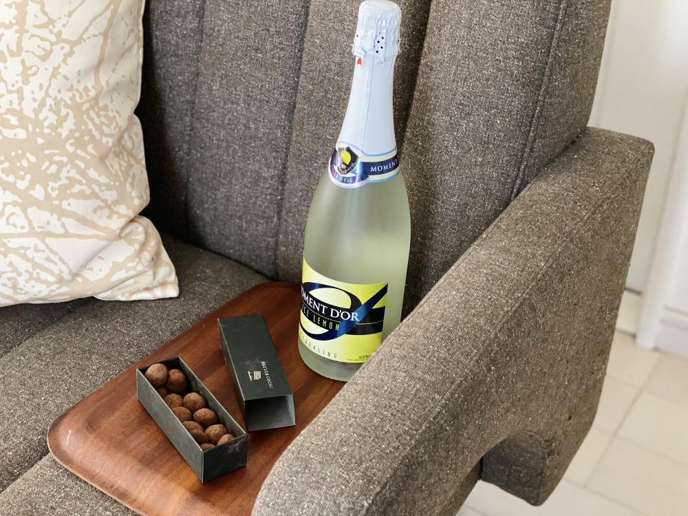 アマンドショコラと白ワイン