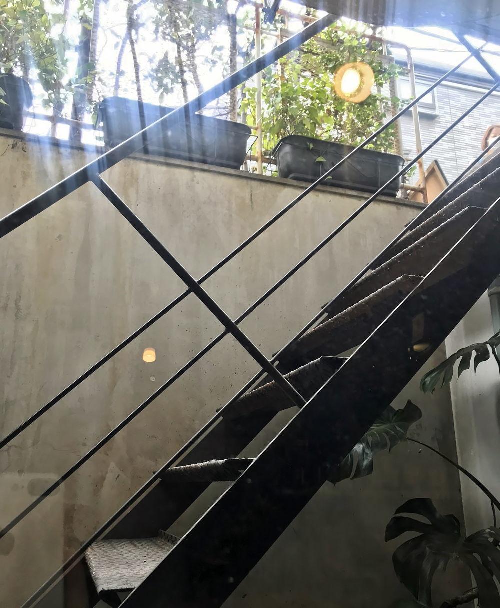 カタネカフェへの階段