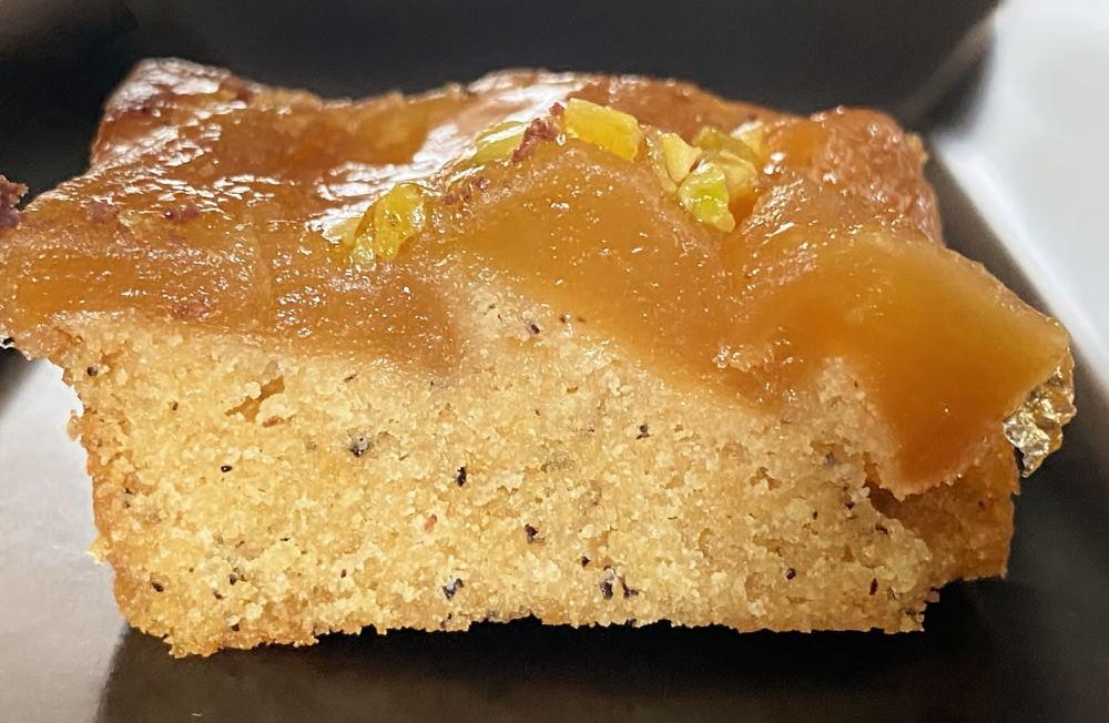 アニバーサリー キャラメルりんごのティーケーキ 断面
