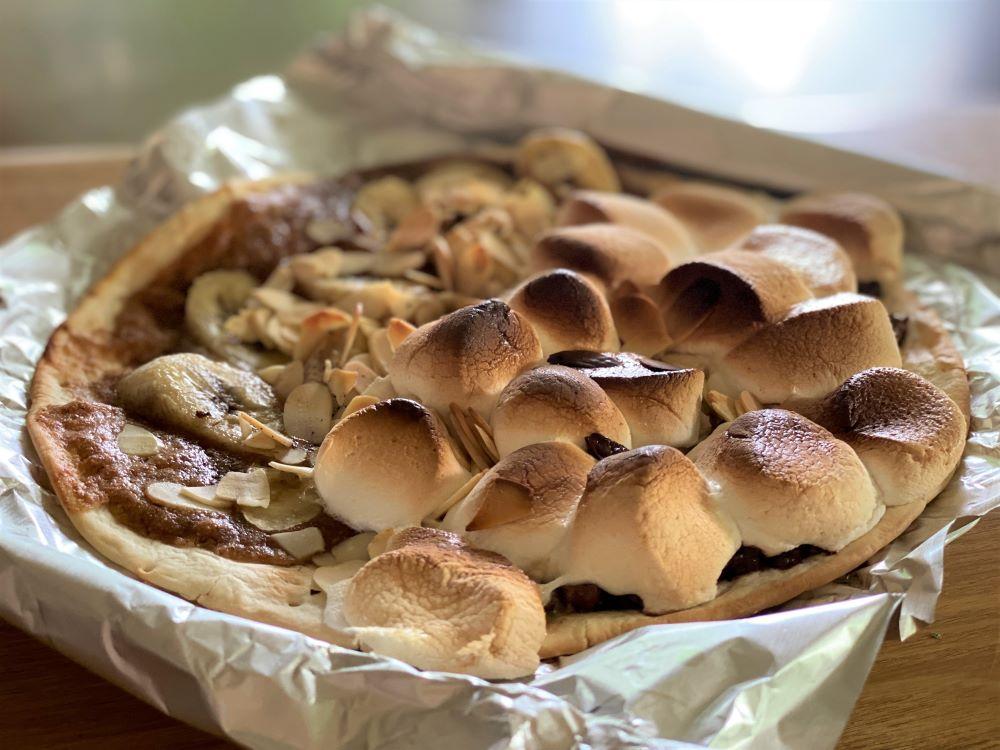 チョコレート&マシュマロのピザ