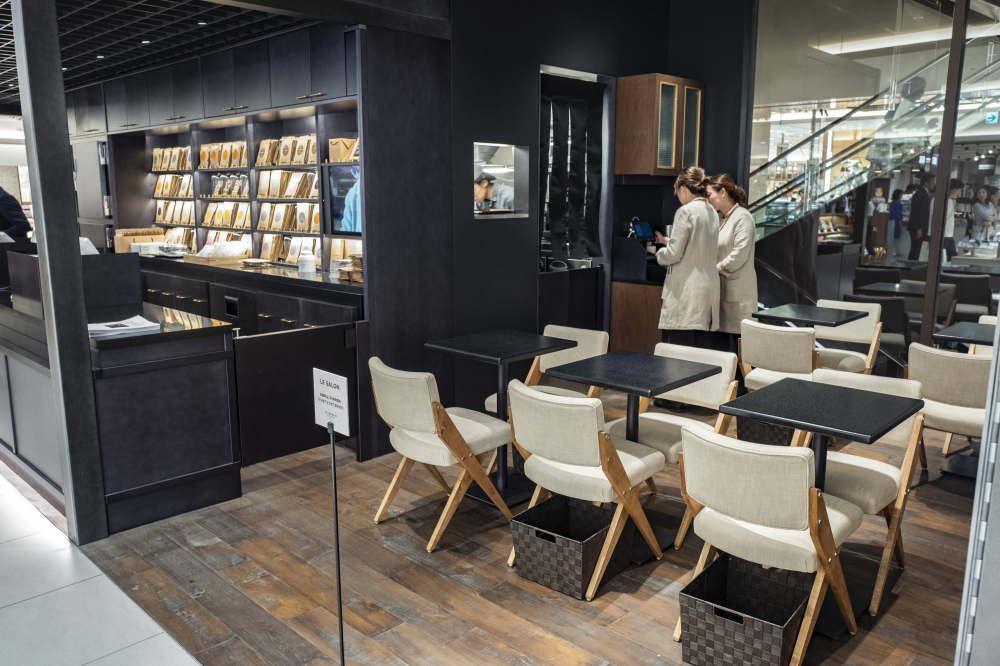 大丸心斎橋店本館B1にデザートサロンを併設したブティックをオープン アランデュカス