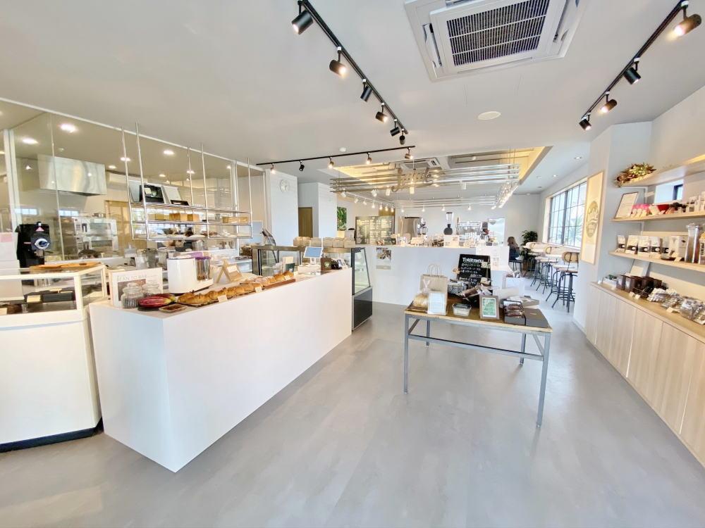 ジャラクコーヒー&カカオ カフェスペース 店内
