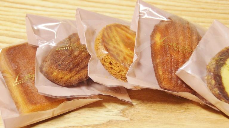 リベラターブルの焼き菓子