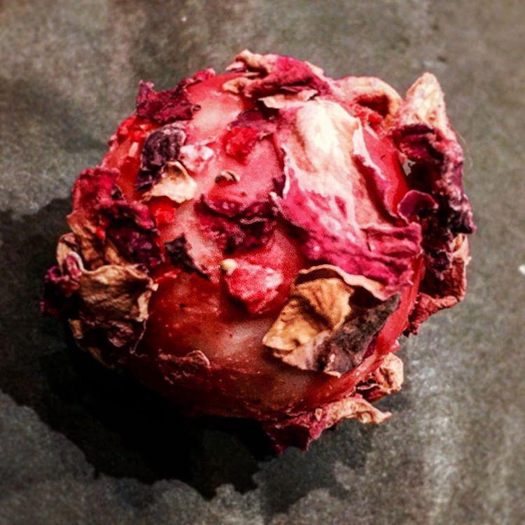 リベラターブルの薔薇のトリュフ